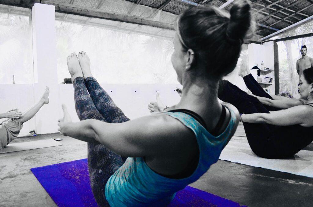 yoga-teacher-tra9ining4